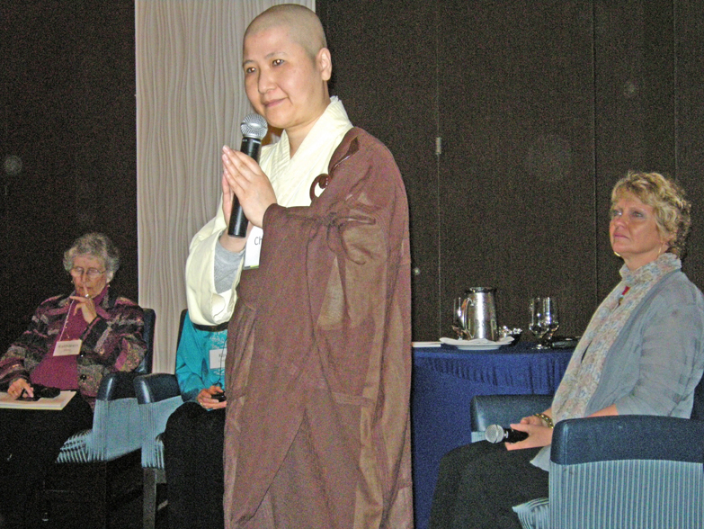 women-of-faith-spirit-frisco-2011-106_edited
