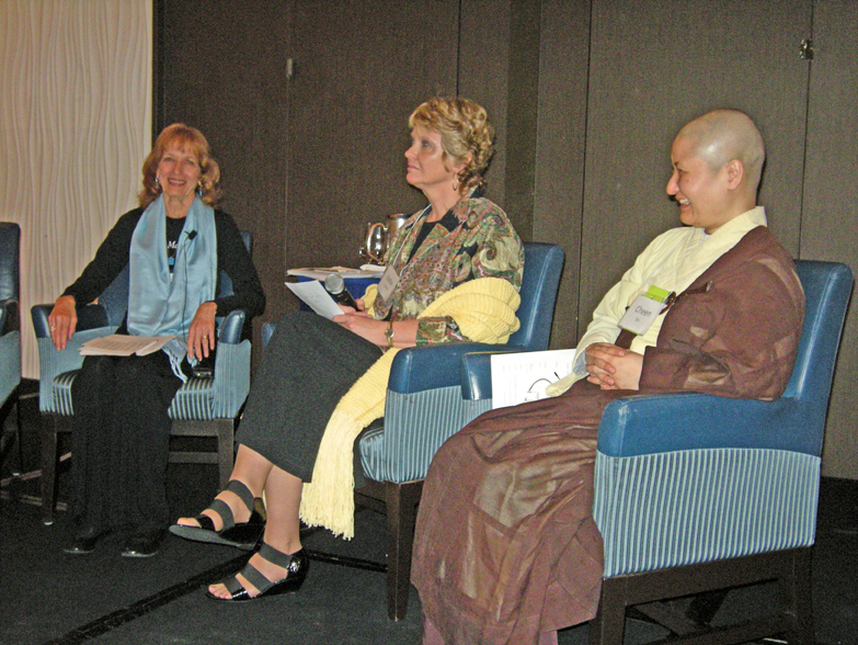women-of-faith-spirit-frisco-2011-248_edited