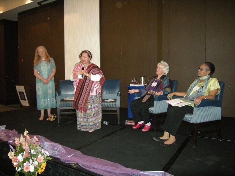 women-of-faith-spirit-frisco-2011-404